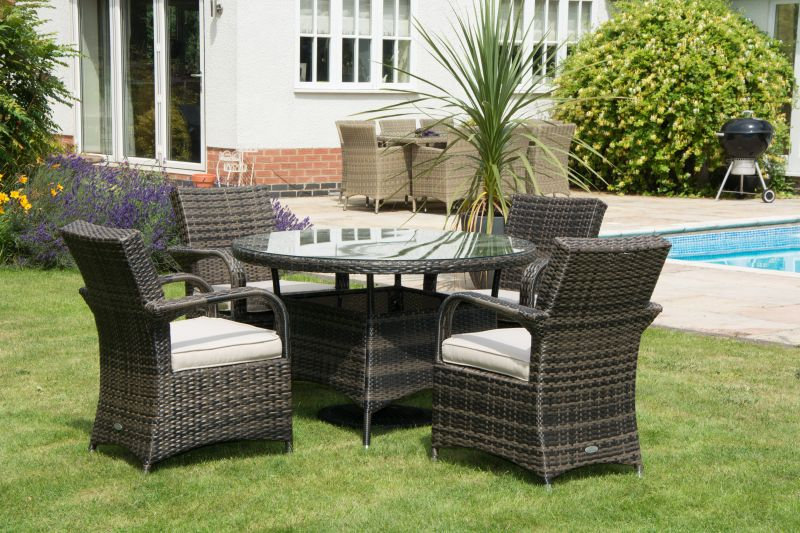 4-texas-chairs-and-1-metre-round-rattan-table-mixed-brown-rattan