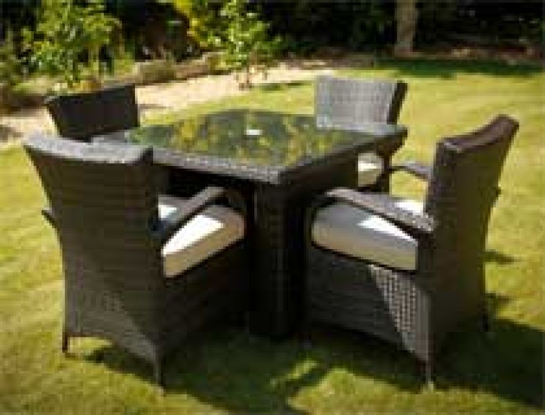 4-texas-chairs-and-1-metre-square-table-mixed-brown
